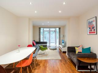 BL00 - Belsize park 3 bedrooms apartment with garden