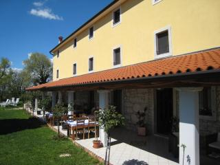 Romantic room 3 in lovely Villa Calussovo, Labin