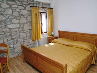 Romantic room 2 in lovely Villa Calussovo, Labin