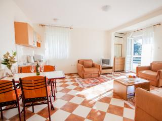 Apartments M - Comfort One-Bedroom Apartment with Sea View 2, Petrovac