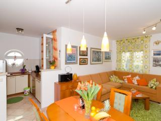Apartment Sorgo - Three Bedroom Apartment with Terrace, Dubrovnik