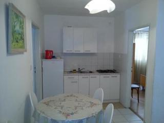Apartments Majo - Two Bedroom Apartment with Terace(4+2), Trpanj