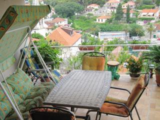 Apartments Gorana - One-Bedroom Apartment with Terrace and Sea View, Splitska