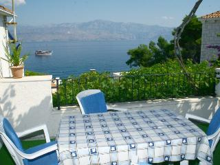 Apartments Branko - Two Bedroom Apartment with Terrace and Sea View A1, Isla de Brac