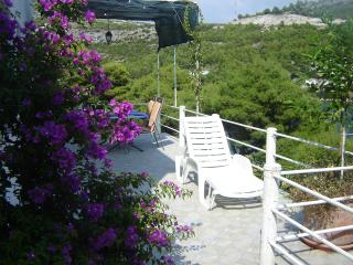 Apartments Ledinić - A2 Two Bedroom Apartment with Balcony and Sea View floor 2, Ston