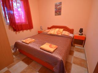 Apartments Dzoni - Two Bedroom Apartment 2, Baosici