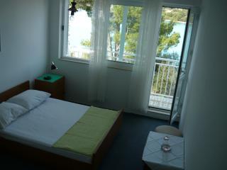 Apartments Marijana-Double Room with Balcony 6, Loviste