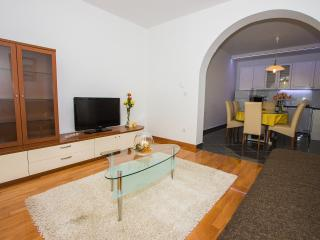 Apartment Sunny Garden- Two Bedroom Apartment with Balcony and Garden View A4+2, Sibenik