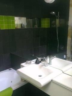 Family bathroom with spa