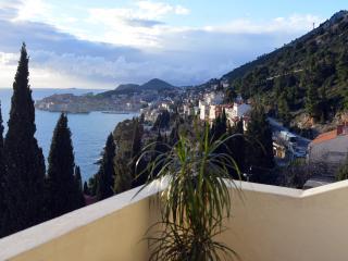 Sea View Apartments - Duplex Four-Bedroom Apartment with Balcony and Sea View - Zlatni Potok 1Street, Dubrovnik