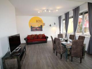 Iris 3 Tempel apartment in Tempelhof {#has_luxuri…, Berlijn