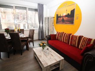 Iris 5 Tempel apartment in Tempelhof {#has_luxuri…