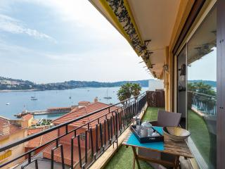Stylish Villefranche-sur-Mer apartment with sea vi