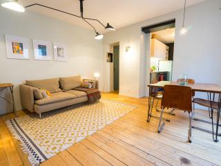 Stylish & Cozy Canal St Martin Home