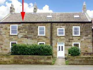 STREET HOUSE COTTAGE, pet-friendly, character holiday cottage in Staithes, Ref
