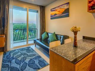Peaceful 1-bedroom apartment Phuket, Nai Harn