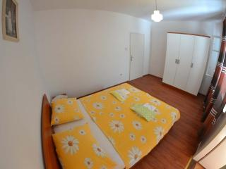 TH02846 Rooms Marija / Triple Room S6, Rab Island