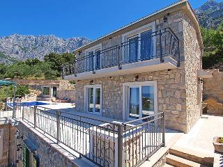 TH03498 Villa Slave, Makarska