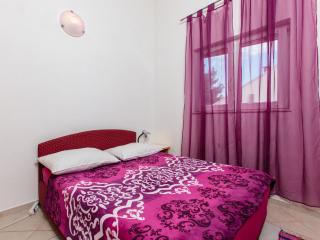 TH01952 Apartments Grgur / Two bedroom A3, Okrug Gornji