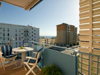 LAS COSTAS 15 minutes from the beach, with parking