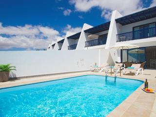 Villa with Fabulous Views, Private pool, Air Con and WiFi  LVC198360