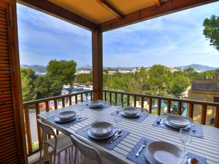 Caleta 3, terraced apartment with partial sea view, Santa Ponsa