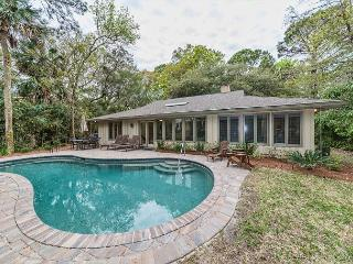 Haul Away 6, 4 Bedroom, New Private Pool, Walk to Beach, Sleeps 10, Hilton Head