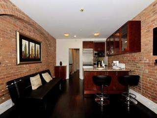 Spacious 2BR/1BA for 6 guests in Murray Hill - NYC
