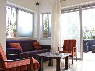Mendele 14 right - Lovely terrace, Tel Aviv