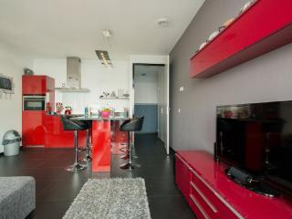 ★ Stylish Comfortable 2BR Apartment City Center ★, Rotterdam