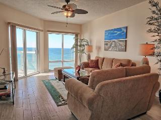 Newly-renovated 2br with FREE beach chairs/umbrella set-up!, Pensacola Beach