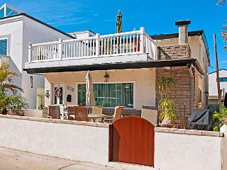 August Discounted! Breezy in Mission Beach – Ocean View Roof Deck!, San Diego