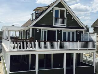 5 BEDROOM LUXURY OCEANFRONT HOME ON BEACH, Lavallette
