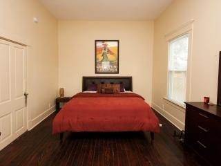 Cajun Hostel Cypress Master Room, Lafayette