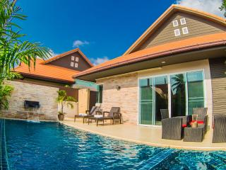 Free taxi to Central Pattaya ,Nub-Dao Pool Villa