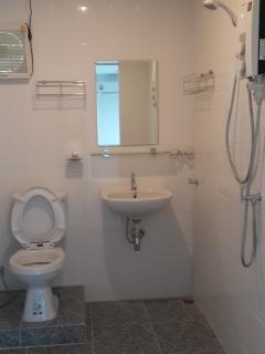 bathroom 1floor
