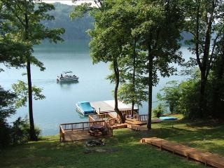 The SafeHouse Norris Lake TN Lakefront Rental, Jacksboro
