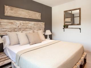 Enjoybcn Apartments - Charming apartment Camp Nou, Barcelona