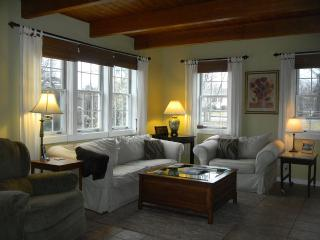 Spacious Cottage, Private R-O-W To Shore, & Minutes From Acadia National Park!