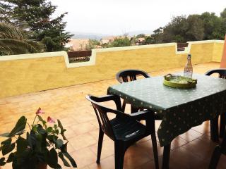 Casa Vacanza, ampia veranda con vista e posto auto, Santa Teresa di Gallura