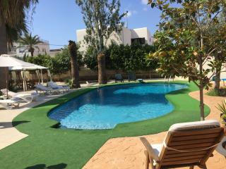 VILLA MERESME @ Playa d'en Bossa, Ibiza