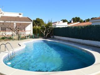 Chalet Garbí con piscina privada (6 personas)