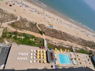 Plaza Penthouse Oceanfront End-Unit, Ocean City