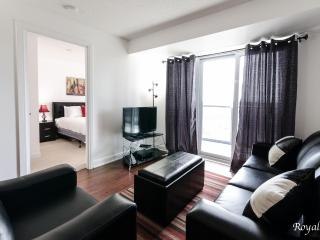 DELUXE 2 BR FURNISHED CONDO NEAR  SQUARE ONE - U8, Mississauga