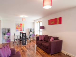 Modern city apartment with parking, Dublin