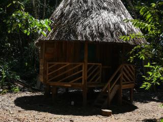Cabañas en la selva peruana