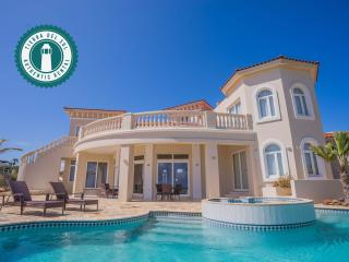 Paradise awaits you. Tierra del Sol 4BDR Estate