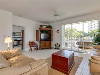 Casa Marina 614-6, 2 Bedroom, Canal Front, Pool, Elevator, WiFi, Sleeps 4, Fort Myers Beach