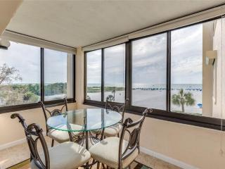 Sandarac A409, 2 Bedrooms, Gulf Front, Elevator, Heated Pool, Sleeps 4, Fort Myers Beach