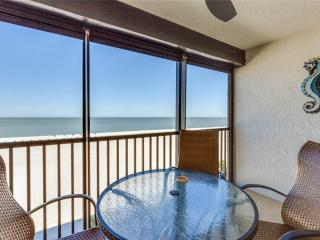 Sunset 704, 2 Bedrooms, Gulf Front, Elevator, Heated Pool, Sleeps 6, Fort Myers Beach